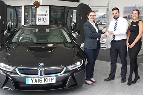 First Women Of Engineering & Manufacturing Rewarded With BMW i8